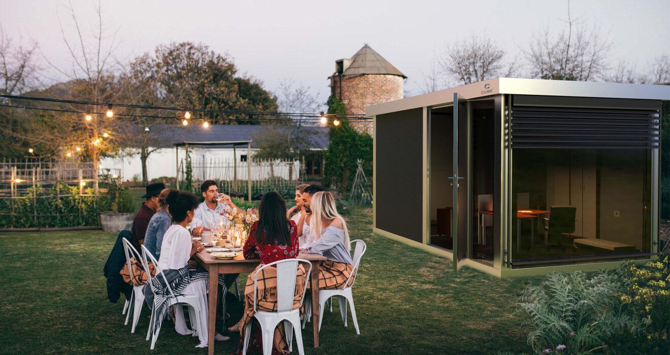 Wer sein Office in ein Nebengebäude im Garten verlegt, genießt Ruhe, Platz und Exklusivität